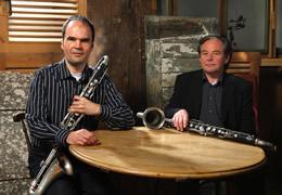 duo-clarinettes-basses_foto-hubert-lankes